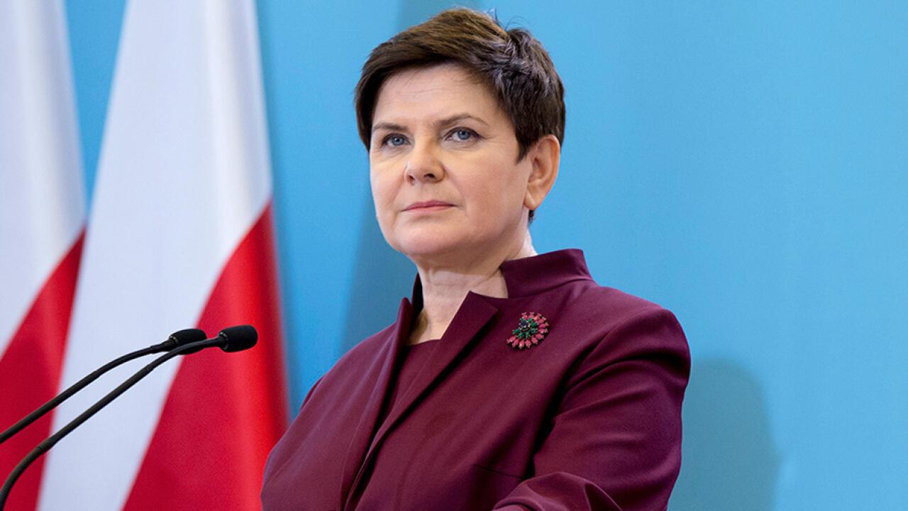 Beata Szydło nagrodziła samą siebie. PO: powinni zwrócić nagrody
