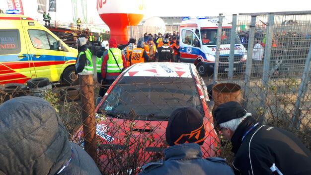 Auto wypadło z trasy na Rajdzie Barbórka. Kibic został ranny