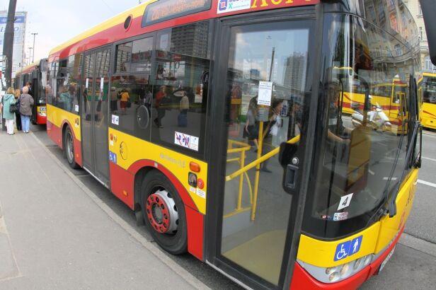 Autobusów będzie mniej tvnwarszawa.pl